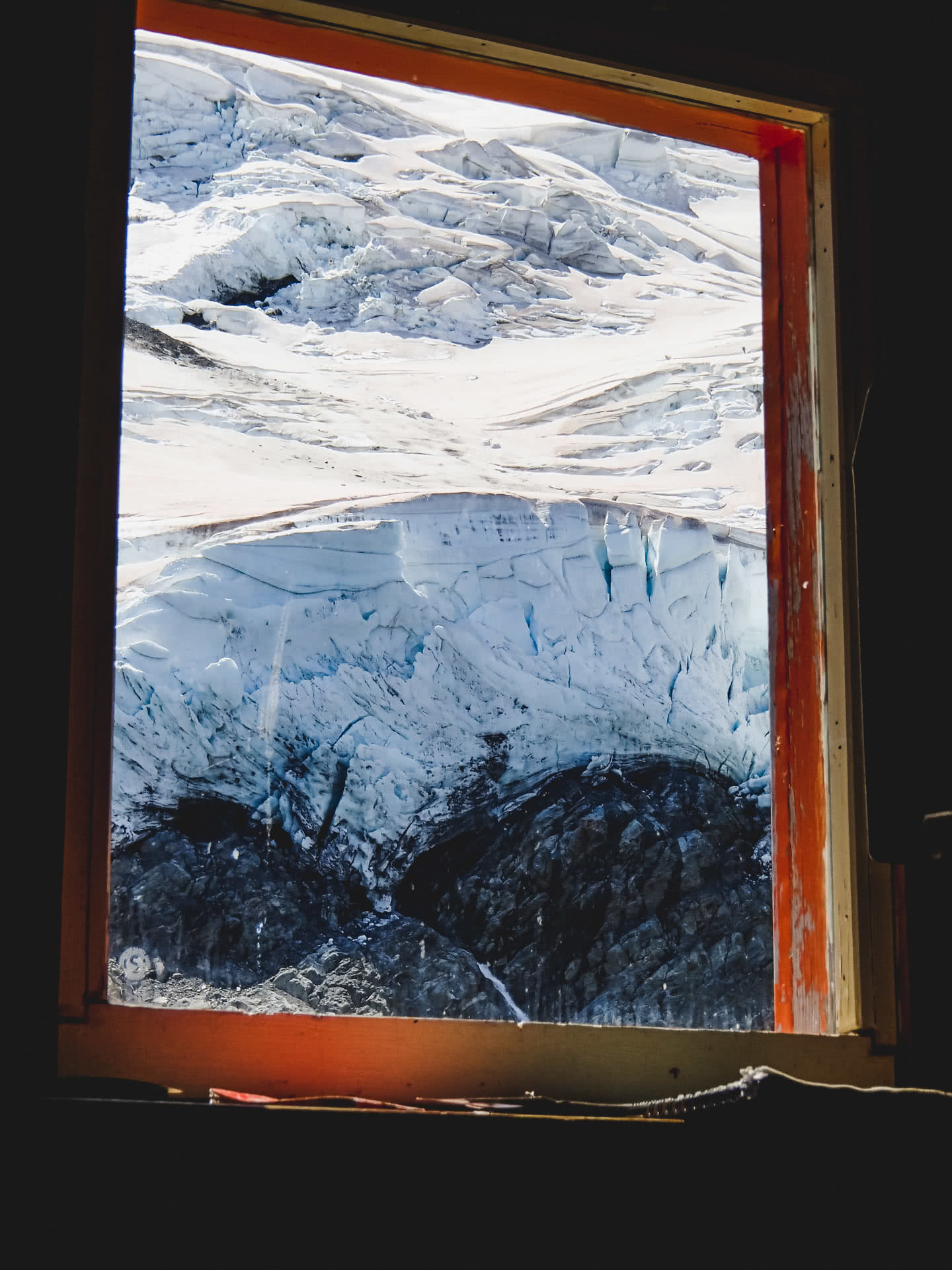 The Sefton Bivvy Route is Far Above the Aoraki Crowds (NZ), Nick Baulch, Mt Cook, hut, window, view, mountain, snow