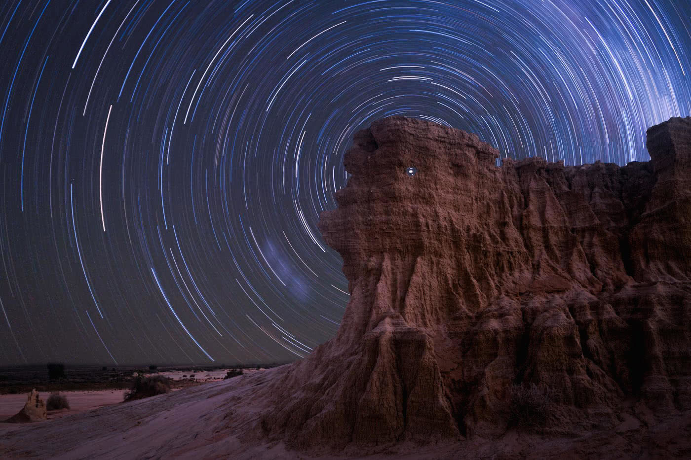 How To Take Photos in Mungo National Park, Conor Moore, Walls of China, stars, astrophotography, night, sand dunes, cliffs