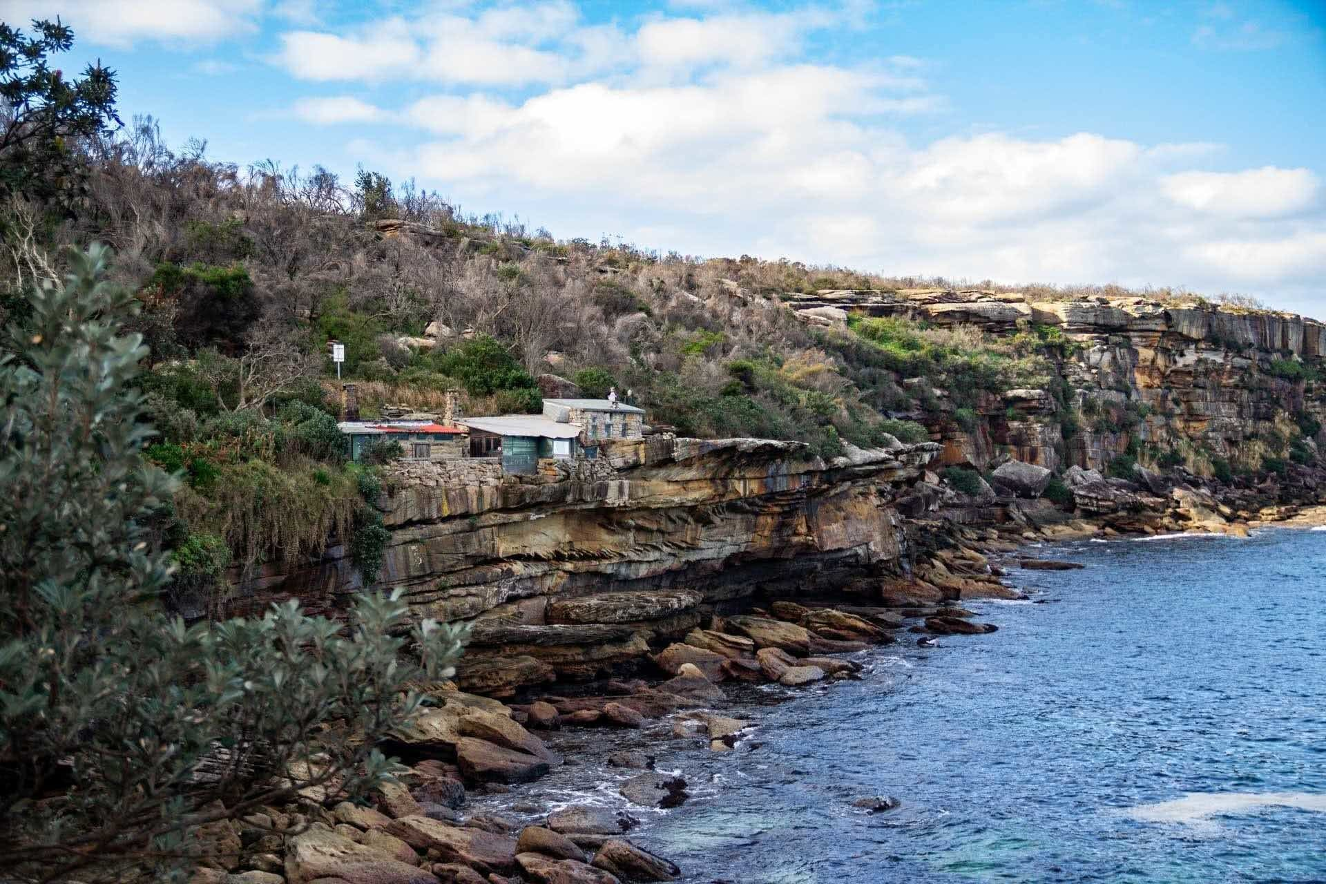 21 of the Best Day Walks in Sydney, photo by Tim Ashelford, spit to manly, cliffs, houses, ocean