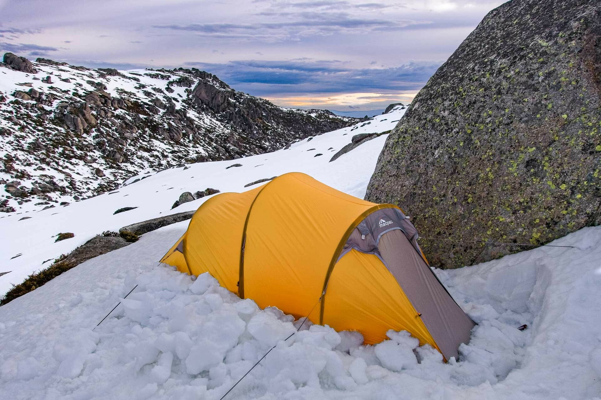 Hannels Spur – Climbing the Steep Western Face of Mt Kosciuszko, Richie Robinson, hannels spur, kosciuszko national park, nsw, snow camping, macpac