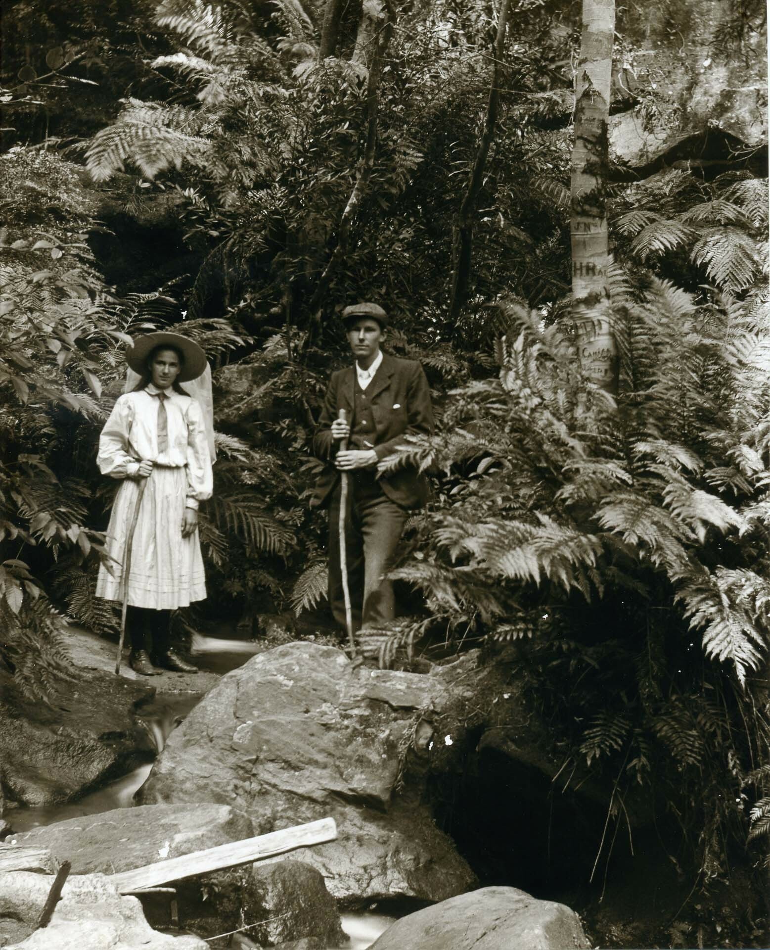 Muriel & Arthur White, on the Federal Pass 1912, Blue Mountains City library, The Intriguing History (and Exciting Future) of Hiking Clothing