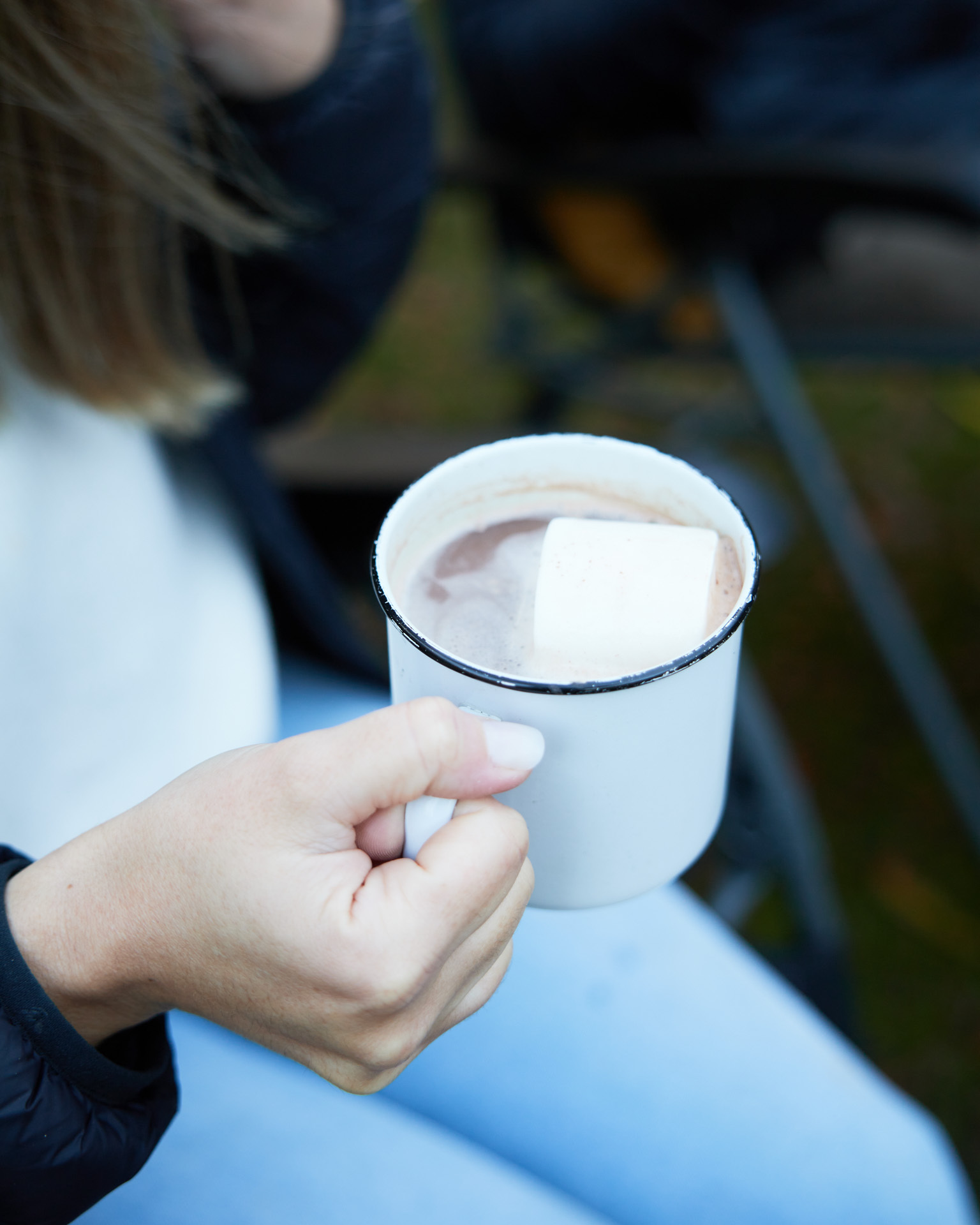 How To Set Up Your Own Glamping Experience, Brody Webb, dometic hayman 4 air, inflatable tent, mug, hot choccy, marshmallow