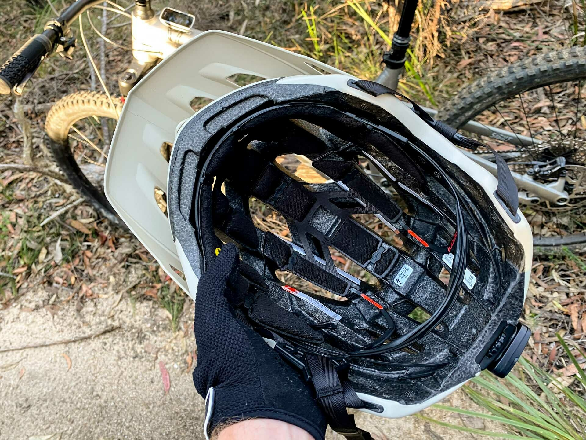 Specialized Ambush with ANGi Mountain Bike Helmet – Gear Review, tim ashelford, lawson trails, blue mountains, nsw, mips