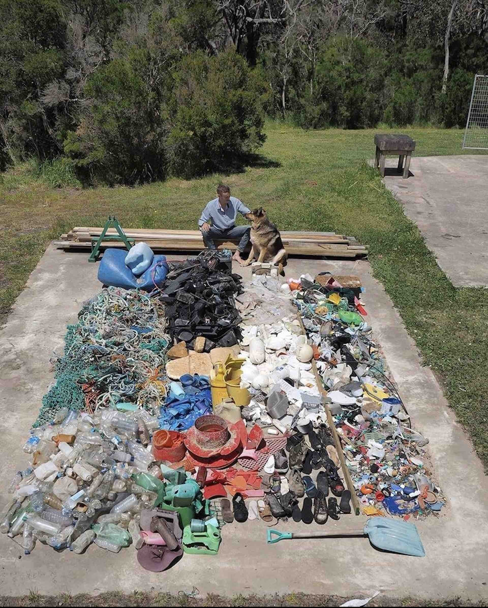 This Bloke's Collected over A Tonne of Rubbish From the Aussie Coastline - Pippa Salmon, rubbish, guy