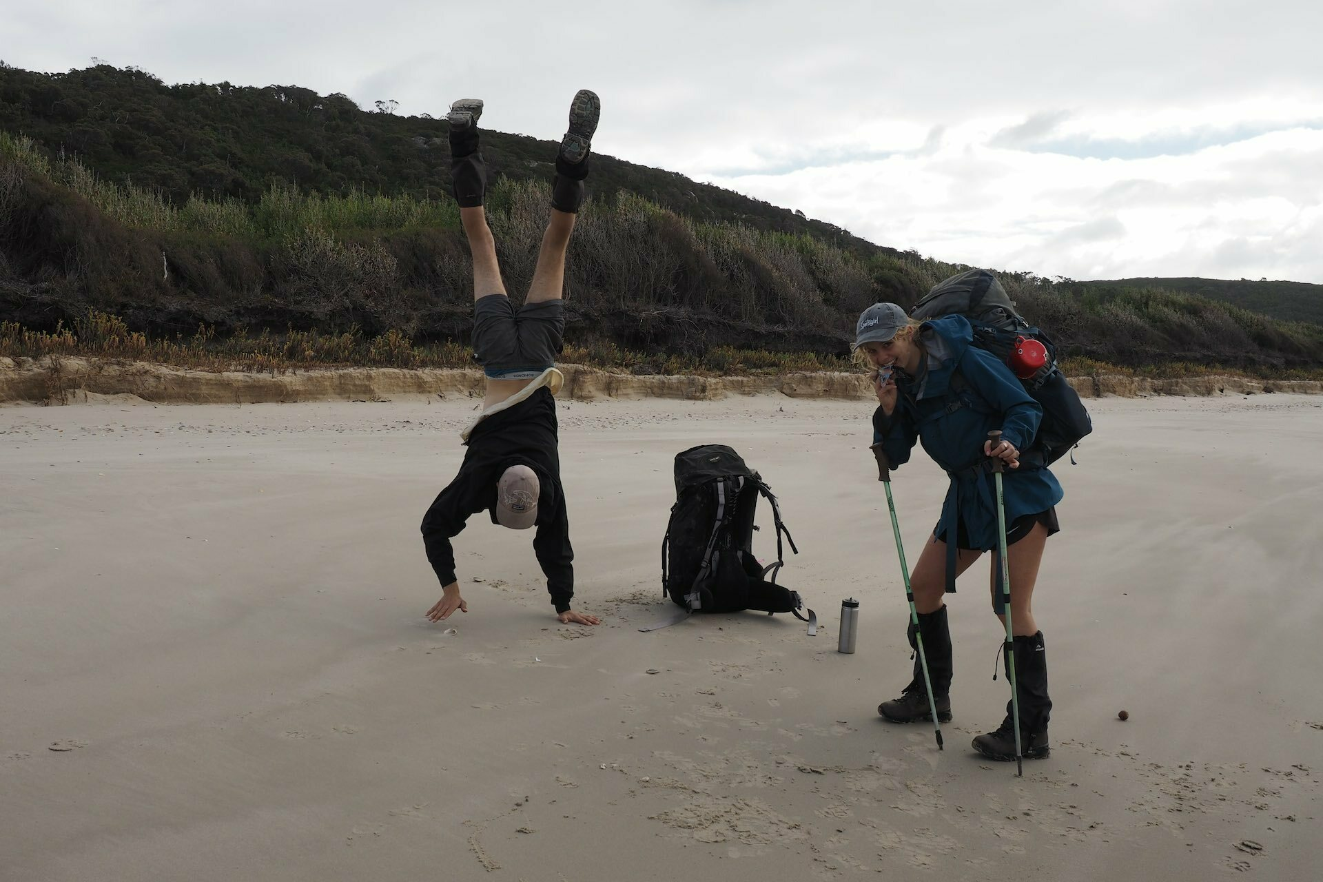 This Bloke's Collected over A Tonne of Rubbish From the Aussie Coastline - Pippa Salmon, hiking, rubbish, guy, beach, friends, handstand