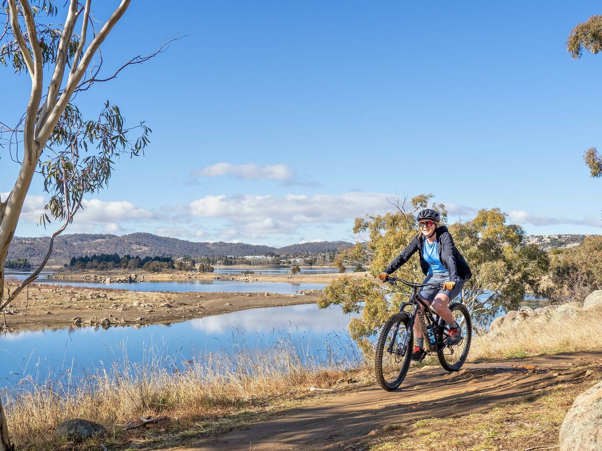 Specialized MTB Apparel Review_Photo by @expedimage - of Kate Donald Mountain Biking in Jindabyne. MTB Clothing, Womens MTB,