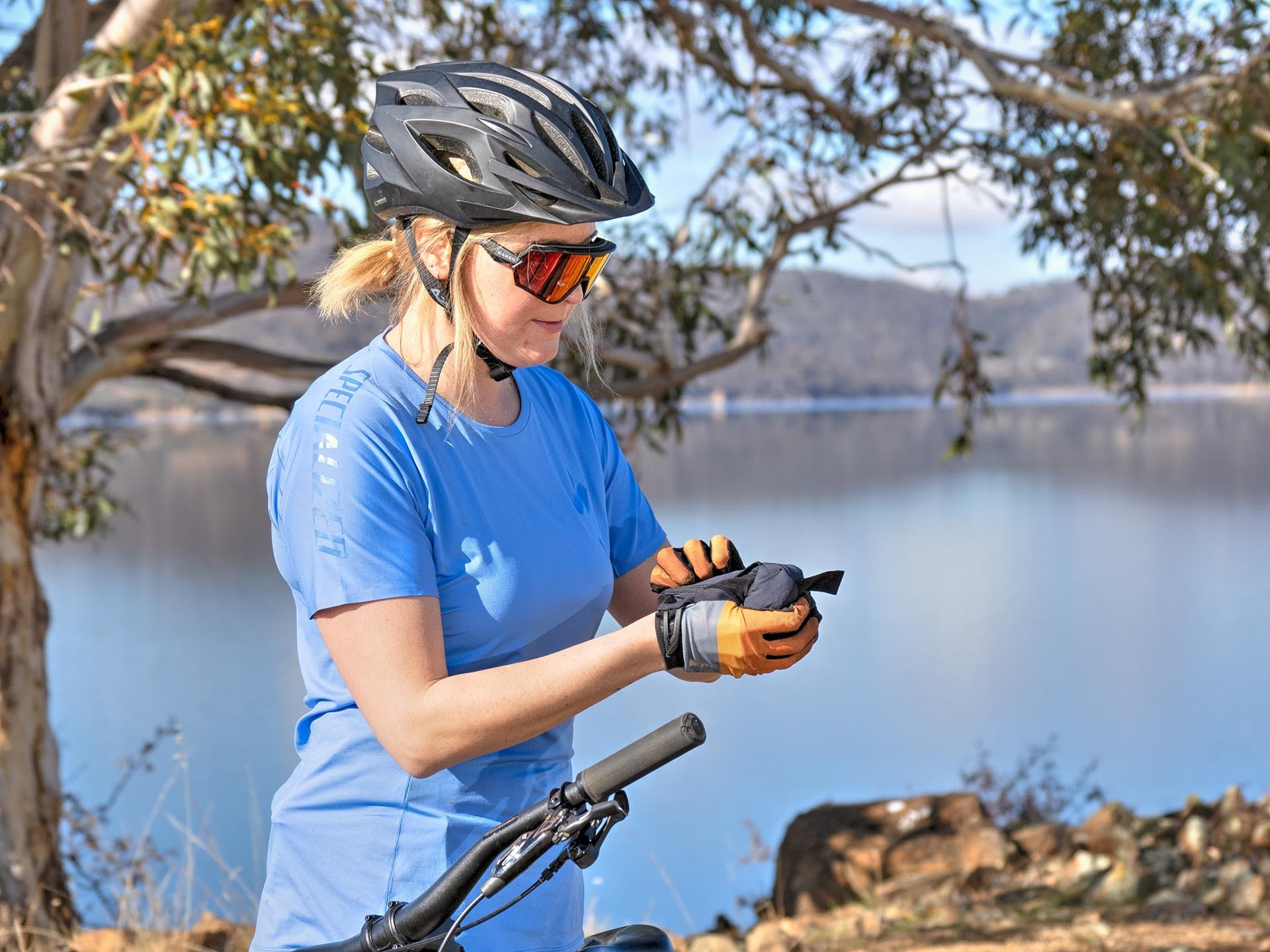 Specialized MTB Apparel Review_Photo by @expedimage - of Kate Donald Mountain Biking in Jindabyne. MTB Clothing, Womens MTB, Specialized Trail Air Short Sleeve Jersey