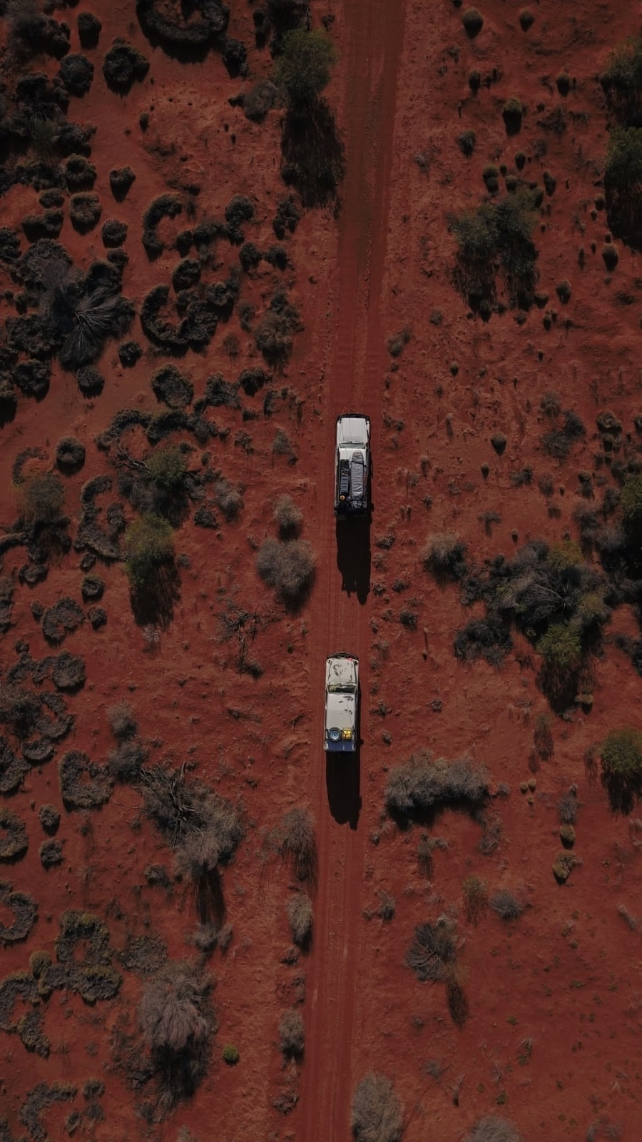 How To 4WD For Beginners, Eva Davis-Boermans, car, troopy, drone shot, desert, red sand